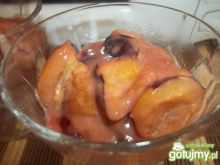 Śliwki w karmelowym sosie