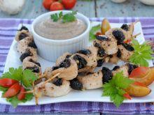Śliwkowo-drobiowe falbanki z sosem gryczanym