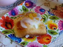 Słodka bułka z serem