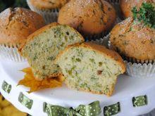 Słodkie muffinki z jarmużem