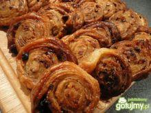Słodkie ślimaczki na cieście francuskim