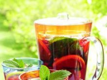 Słońce, upał i sangria - poznaj jej smaki!