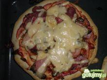 Smaczna Pizza z super spodem