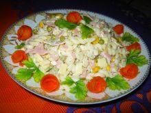Smaczna sałatka makaronowa