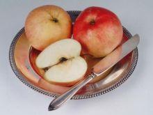 Smaczne jabłka na szarlotkę