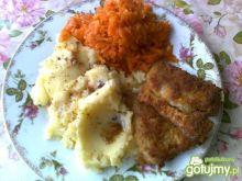 Smażona panga z ziemniakami i marchewką