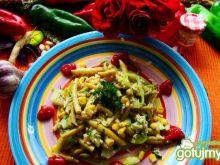 Smażony ryz brązowy z fasolką szparagową