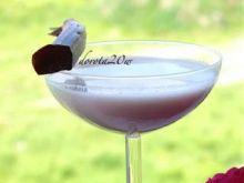 Śmietankowy koktajl rabarbarowy z wódką