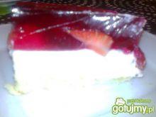 śmietanowiec z truskawkami