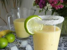 Smoothie ananasowo-bananowy