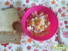 Śniadaniowa sałatka z łososiem