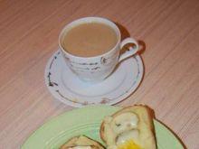 Śniadaniowe grzanki z sadzonym jajkiem