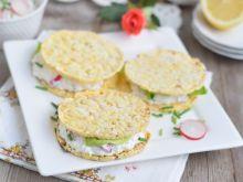 Śniadaniowe wafle z białym serem