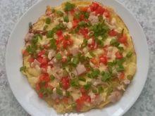 Śniadaniowy omlet jajeczny z warzywami