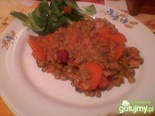 Soczewica z boczkiem i marchewką