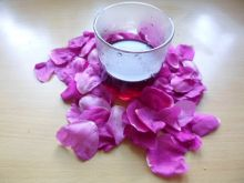 Sok z płatków róży