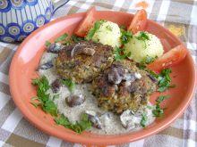 Sos grzybowy z kotletami z kaszy i grzybów
