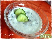 Sos jogurtowy do grillowanego mięsa
