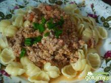 Sos mięsny z pomidorami i serem
