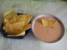 Sos serowo-paprykowy do nachos