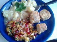 Sos z łupin cebuli do ryby lub dań mięsnych
