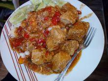 Szynka w sosie z pomidorami i papryką