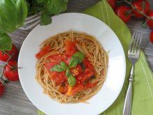 Sos ze świażych pomidorów z bazylią