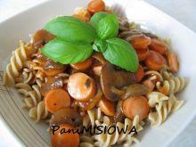 Sosik pomidorowy z pieczarkami i parówkami