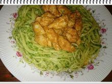 Spagetti  Eli z kurczakiem i sosem szpinakowym