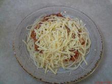 Spagettli z dużą ilością sera