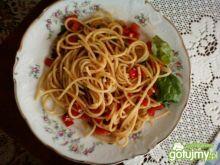 Spaghetti al'a con aglio e olio
