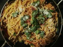 Spaghetti bolognese z mięsem drobiowym