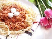 Spaghetti po bolońsku z mini mozzarellą
