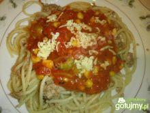 Spaghetti pomidorowe z tuńczykiem
