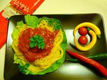 Spaghetti w ostrym sosie z sardelą