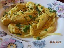 Spaghetti w sosie cytrynowym z kurczakiem