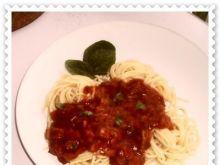 Spaghetti w sosie paprykowo-pomidorowym
