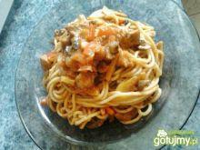 Spaghetti z cukinią,kurczakiem i papryką