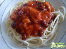 Spaghetti z czerwoną fasolą