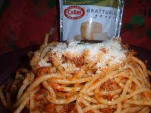 Spaghetti z domowym czerwonym pesto
