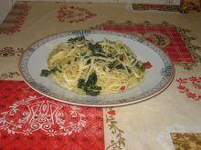 Spaghetti z jarmużem