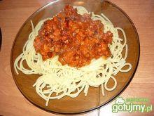 Spaghetti z kiełbasianym sosem