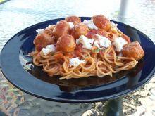 Spaghetti z klopsikami po neapolitańsku