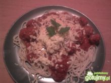 Spaghetti z klopsikami w sosie