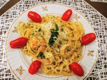 Spaghetti z krewetkami w sosie śmietanowym