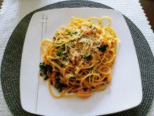 Spaghetti z krewetkami z czosnkiem i szafranem