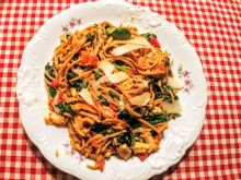 Spaghetti z królikiem i warzywami