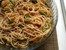Spaghetti z kurczakiem i zieloną fasolką