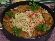 Spaghetti z kurczakiem w sosie serowym