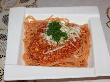 Spaghetti z mięsem i kukurydzą